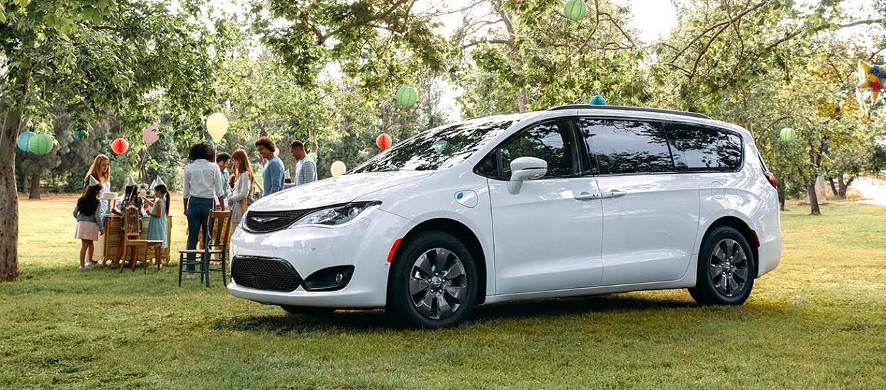 Take home a 2020 Chrysler Pacifica Hybrid near West Covina CA