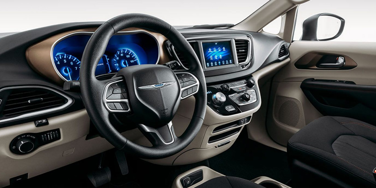 City of Industry CA - 2020 Chrysler Voyager's Interior