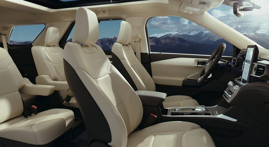 Bettendorf IA - 2020 Ford Explorer Interior