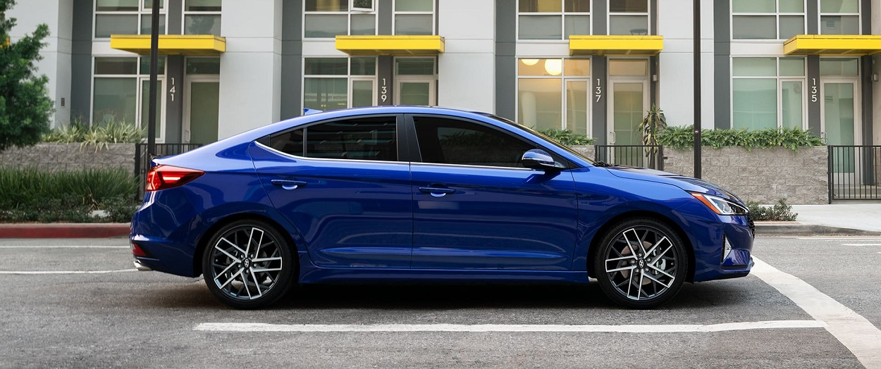 What are the trim levels for the 2020 Hyundai Elantra