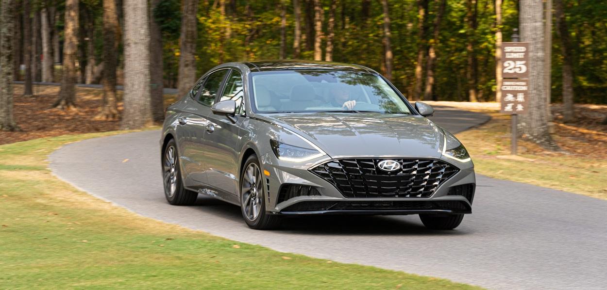 Research trim levels on a 2020 Hyundai Sonata near Littleton CO