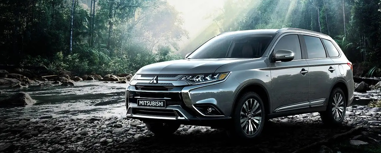 The best family SUV 2020 Mitsubishi Outlander in Thornton CO