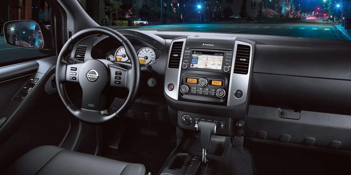 San Antonio Texas - 2020 Nissan Frontier's Interior