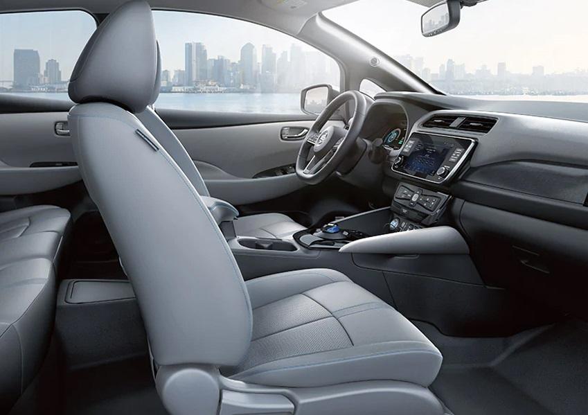 San Antonio TX - 2020 Nissan LEAF's Interior