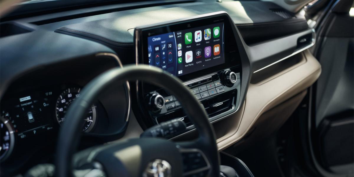 Hermitage PA - 2020 Toyota Highlander Hybrid's Interior