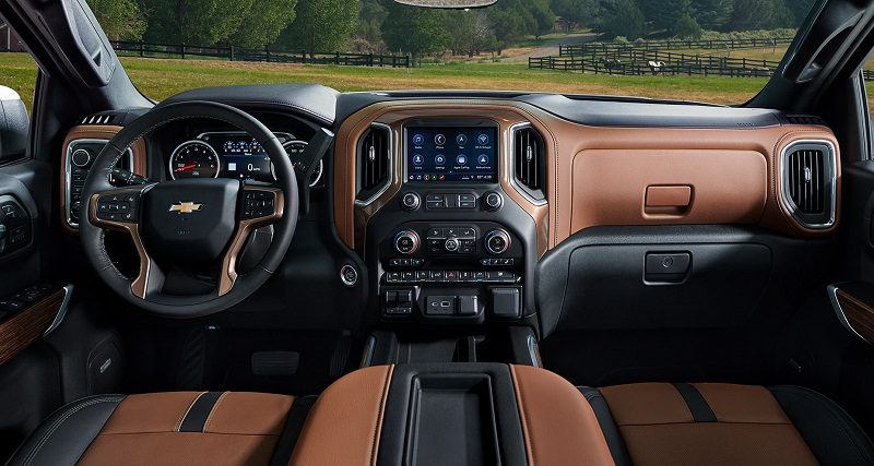 Youngstown OH - 2021 Chevrolet Silverado 1500's Interior