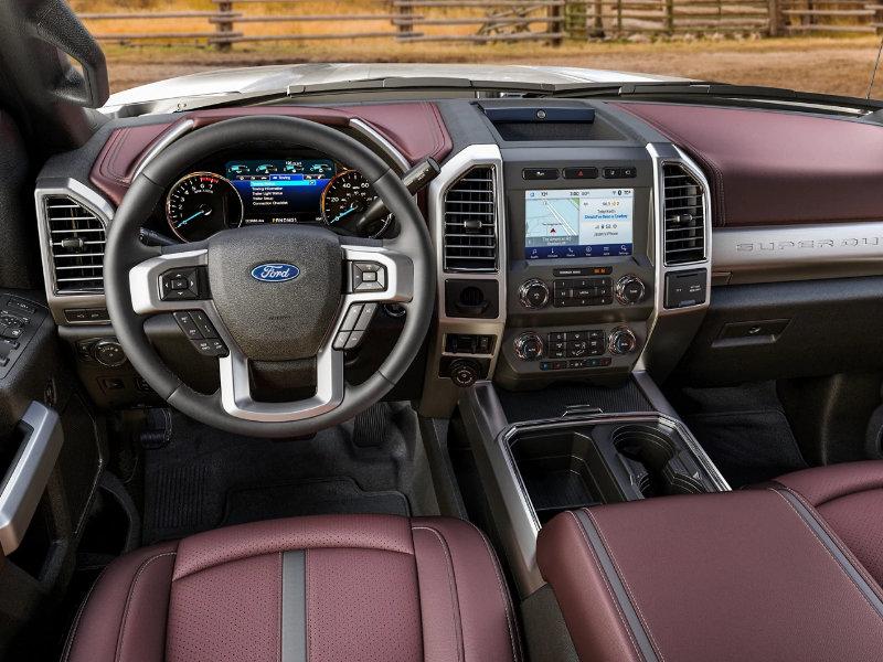 Davenport IA - 2021 Ford Super Duty's Interior