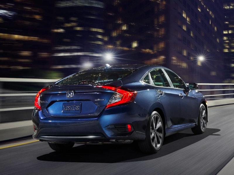 2021 Honda Civic Sedan vs 2020 Honda Sedan near Quad Cities IA