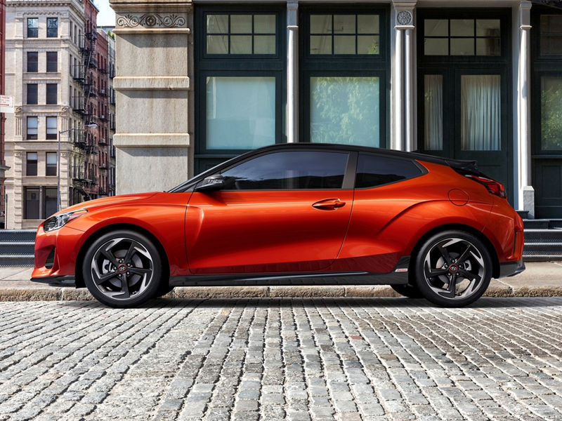 North Kingstown RI - 2021 Hyundai Veloster's Exterior