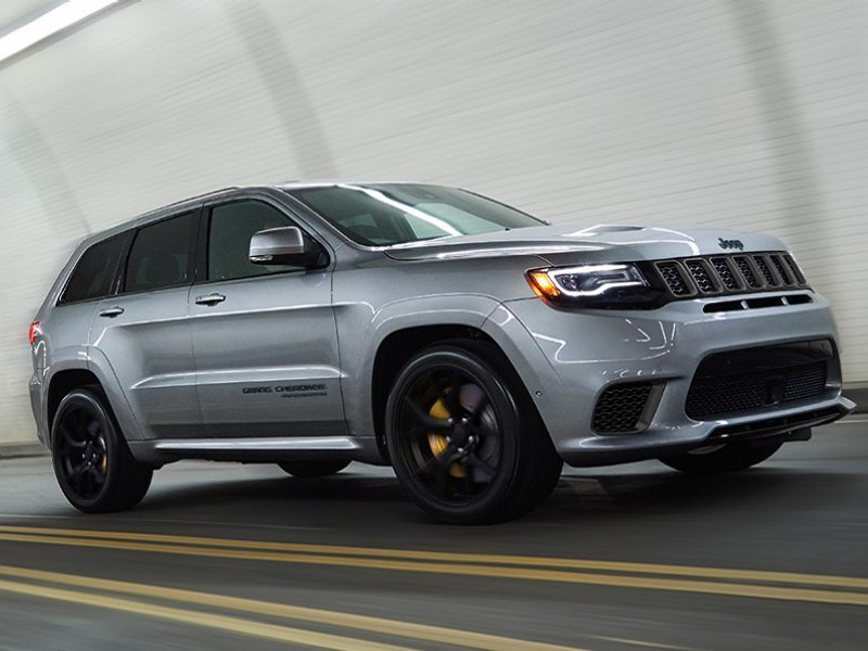 Dubuque IA - 2021 Jeep Grand Cherokee Exterior