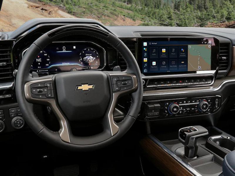 Boardman OH - 2022 Chevrolet Silverado 1500's Interior