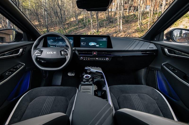 Phoenix AZ - 2022 Kia EV6 Crossover's Interior