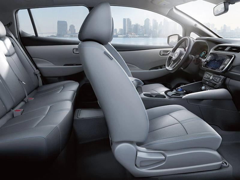Irvine CA - 2022 Nissan LEAF's Interior