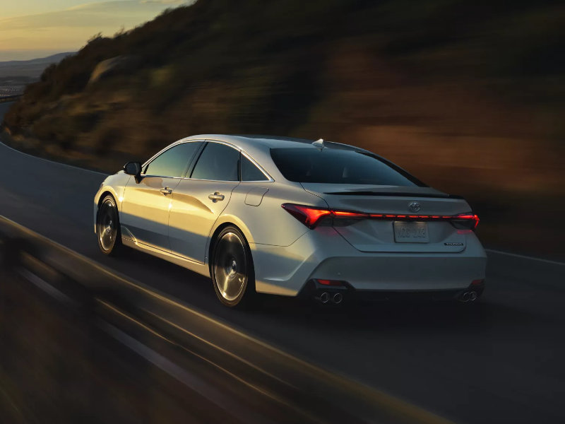 Warren OH - 2022 Toyota Avalon's Overview