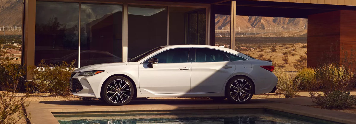 2022 Toyota Avalon is among the highest-rated full-size sedans near Youngstown OH