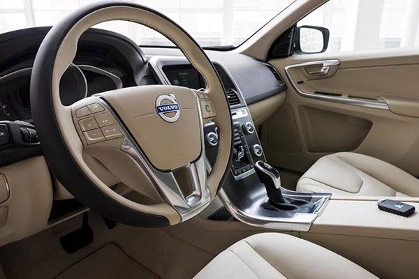 TEST DRIVE 2017 VOLVO XC60 IN DENVER CO | Rickenbaugh Volvo Cars